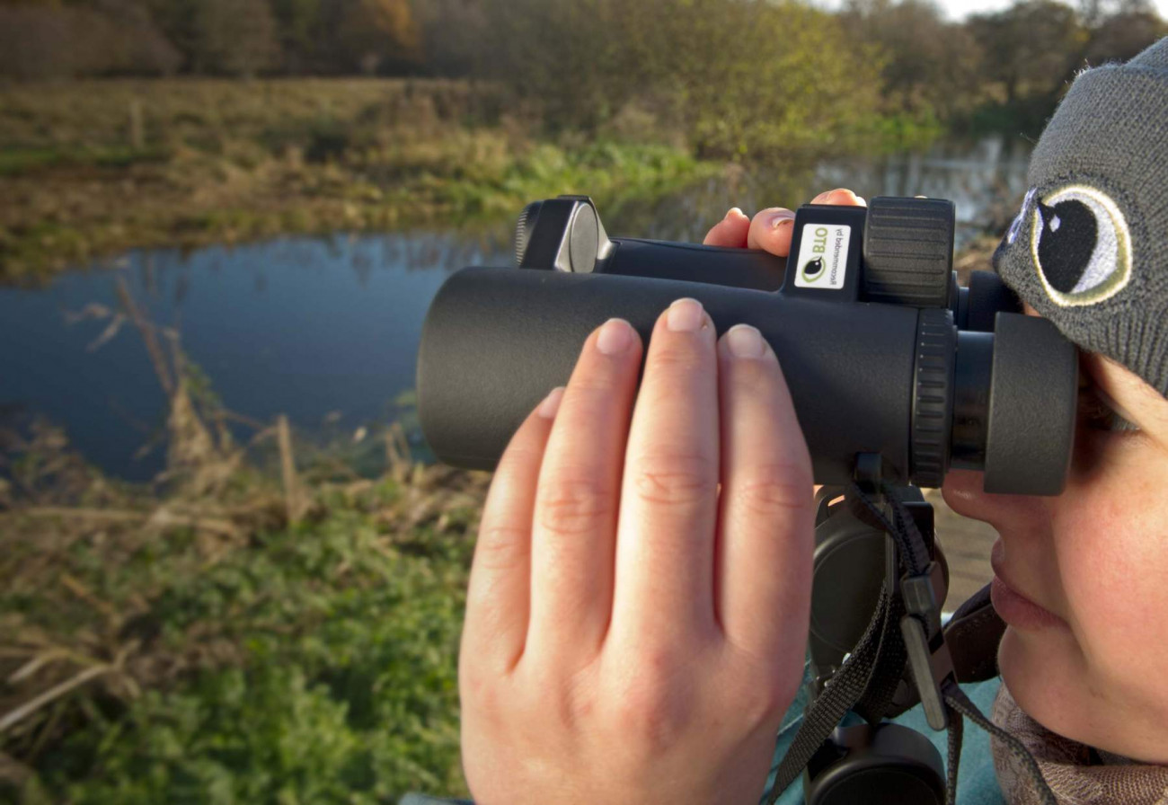 Student birding. Photograph by David Tipling
